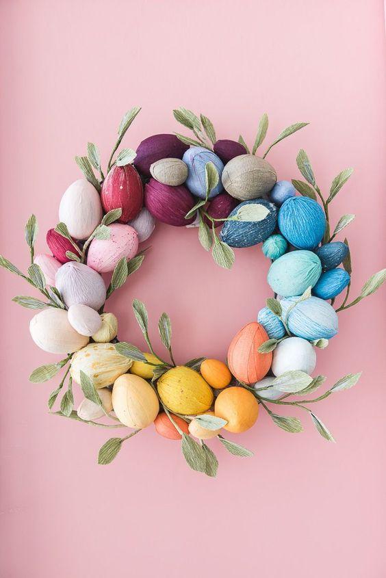 Великодній вінок з декоративними яйцями своїми руками