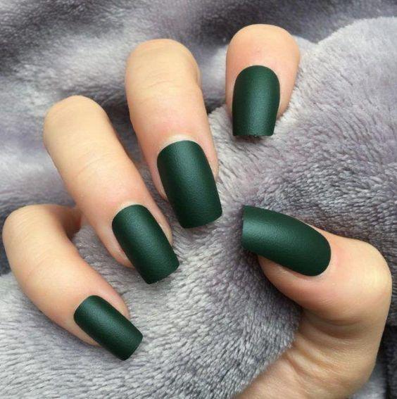 Зелений манікюр весною 2019