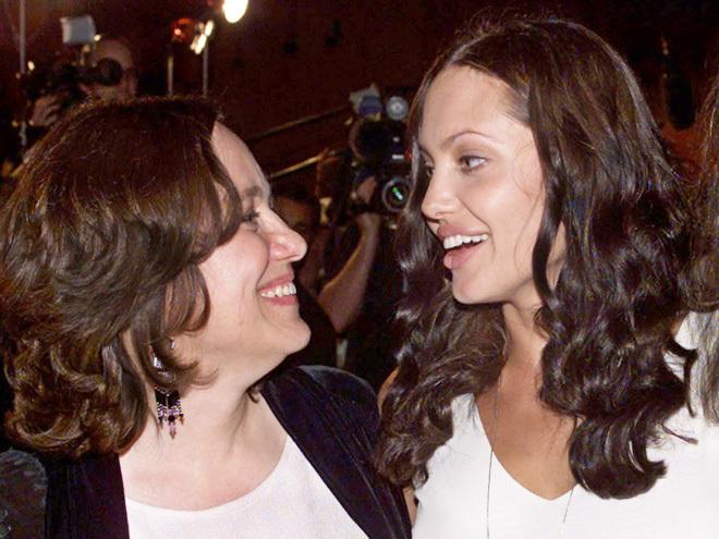 Маршелин Бертран и ее дочь – актриса Анджелина Джоли