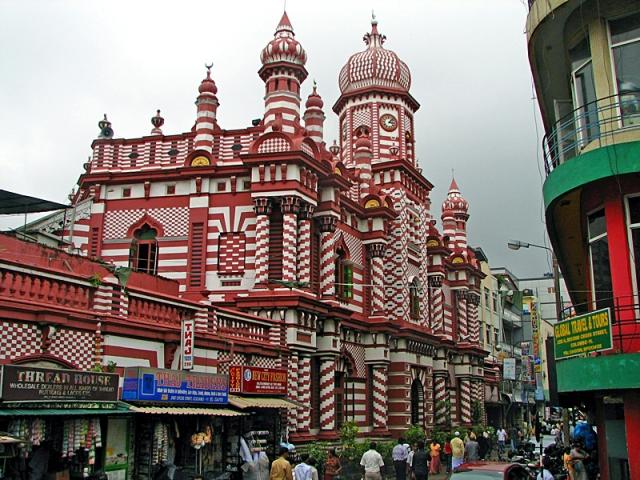 5 причин поехать в Коломбо: мечеть Джами Уль Альфар