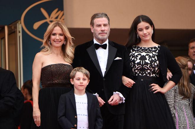 Джон Траволта і Келлі Престон з дітьми