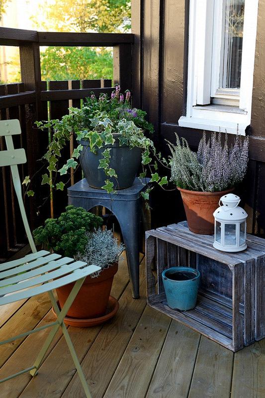 Скандинавський стиль: балкони, що потопають у зелені
