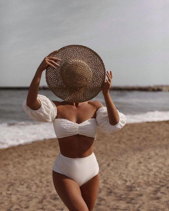 Модные купальники с объемными рукавами