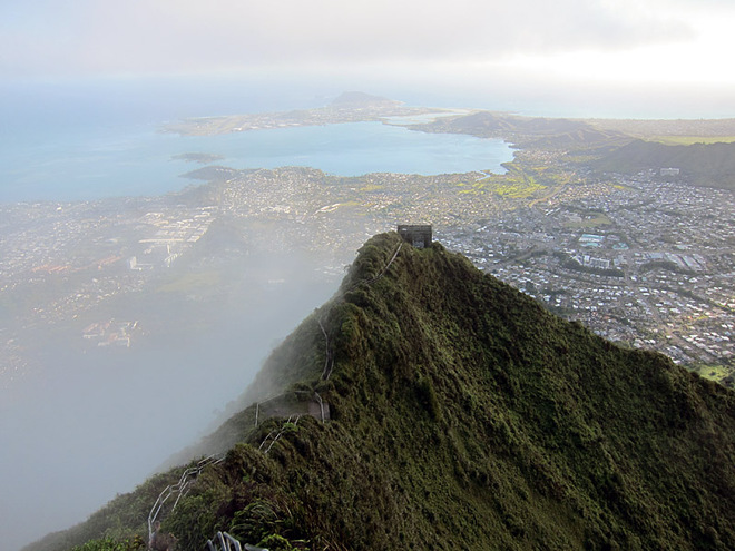 Stairway to heaven: экстремальная тропа на Гавайях