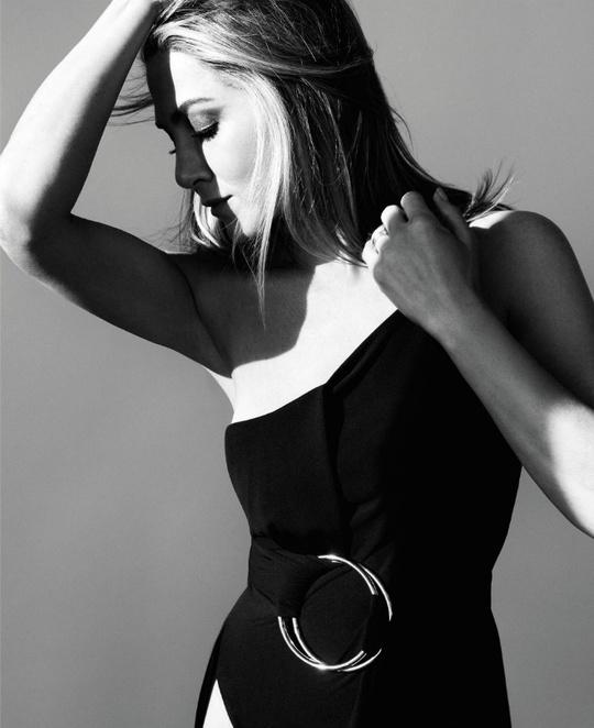 Дженніфер Еністон для Harper's Bazaar