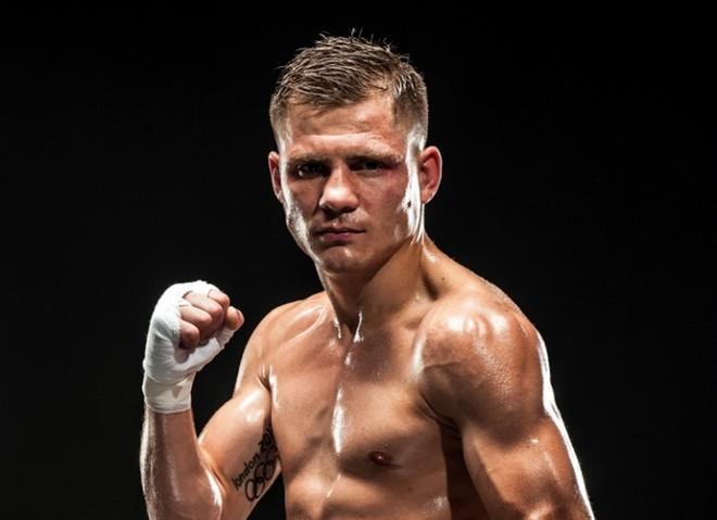 Титульний бій українського спортсмена Дениса Беринчика: де дивитися?