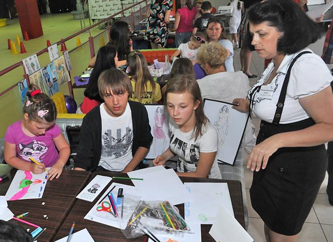 Школа дизайну навчить дітей одягатися зі смаком і вести себе на публіці