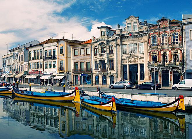 Куди поїхати на один день з Порту: місто Авейру