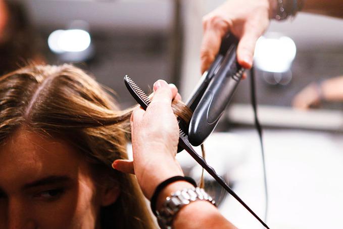 Как надолго  сохранить сияние и блеск окрашенных волос