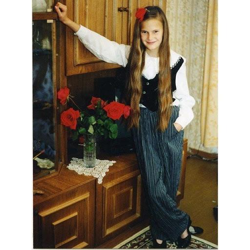 Алла Костромичева в детстве