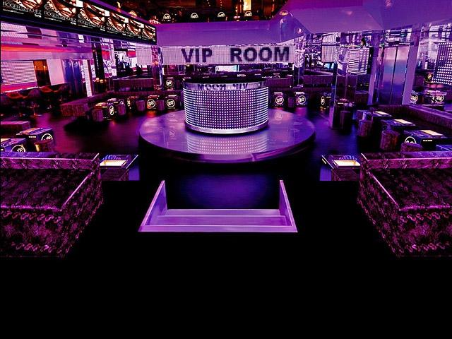 Шопінг в Парижі: Нічний клуб Vip Room
