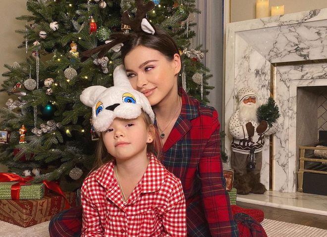 Лєна Темнікова з донькою Олександрою