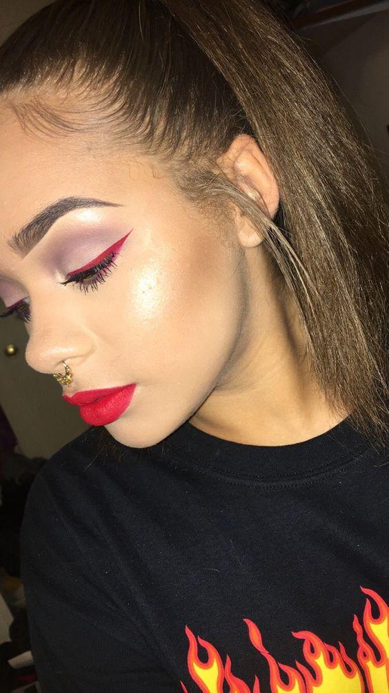 Цветная подводка макияж