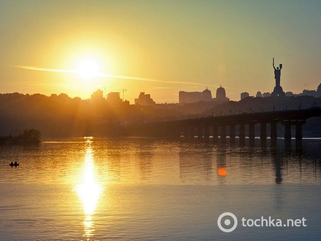 Днепровская набережная, Парк Вербная роща