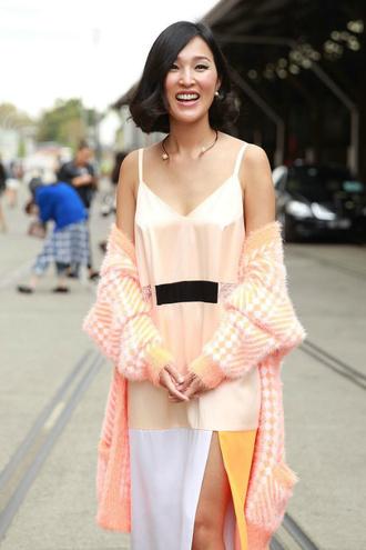 Модні сукні 2016: шовк і білизняний стиль - street style