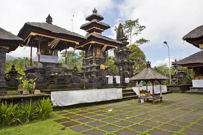 Храм Пура Танах Лот