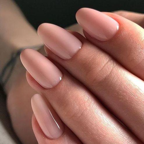 Манікюр у світлих тонах: рожевий