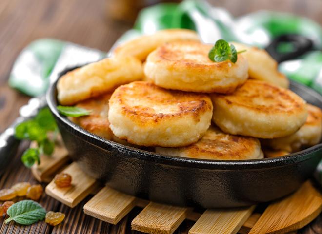 Сырники с соусом из манго: вкусный рецепт