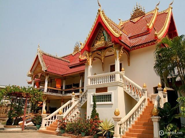 Подорож в Лаос
