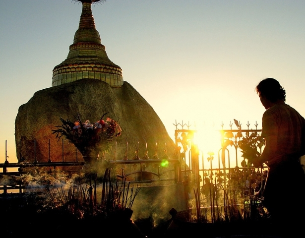 Необычная церковь в Мьянме