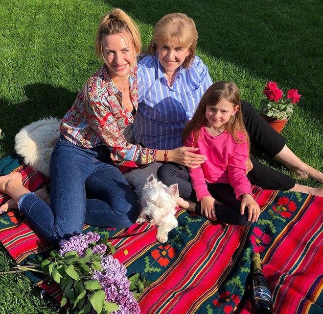 Леся Никитюк с семьей