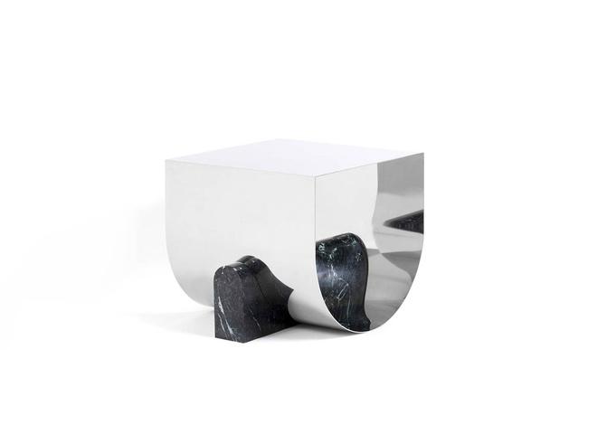 стол и табурет из камня и металла