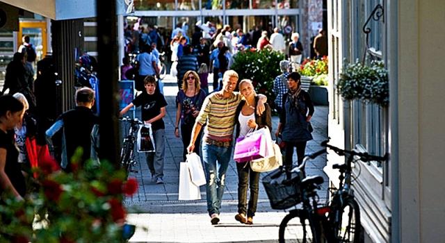 Шопінг за кордоном: як tax free користуватись