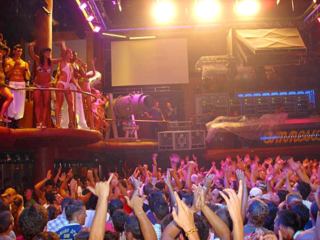 Клубный туризм на Ибице: Amnesia