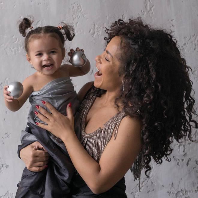 Гайтана з дочкою Ніколь