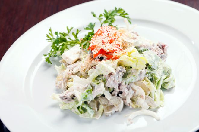 Салат из капусты со сметаной