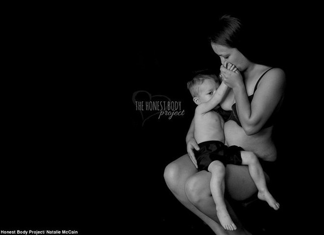 Мамы, кормящие грудью 5-летних детей: фотопроект, который ломает стереотипы