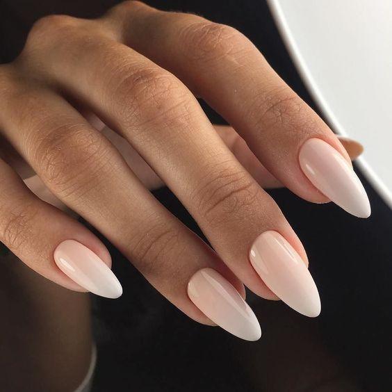 Мигдалевидна форма нігтів - тренди манікюру 2019