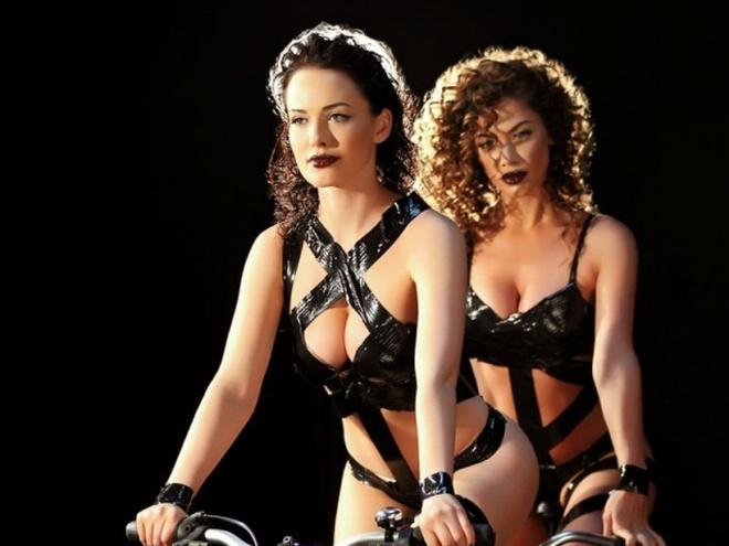 erotika-porno-gruppa-slivki