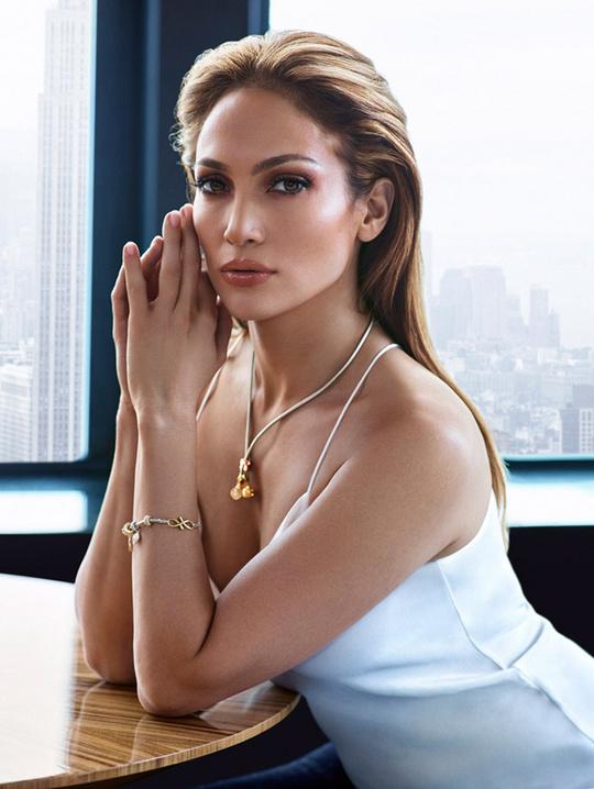 Нова колекція одягу Jennifer Lopez
