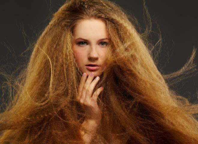 Что делать, если электризуются волосы: 8 полезных советов