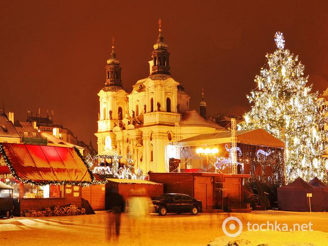 Рождественские распродажи 2013-2014 в Праге. Вацлавская площадь.