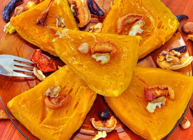 Как запечь тыкву в духовке: рецепт с медом и орехами