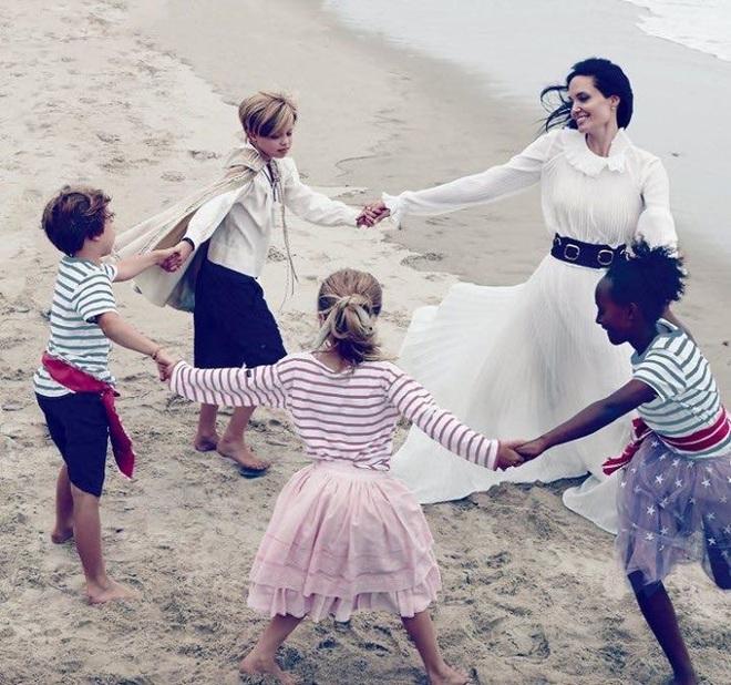 Анджеліна Джолі і Бред Пітт знялися в новій фотосесії