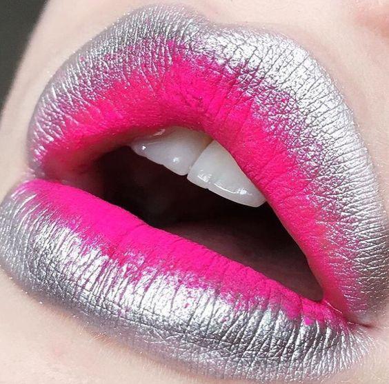 Голографический макияж губ