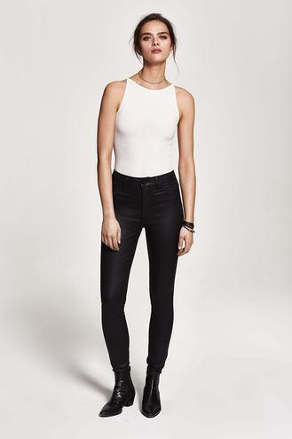 Джессика Альба создала джинсы с брендом DL1961