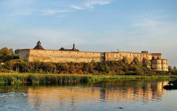 Самые красивые замки Украины