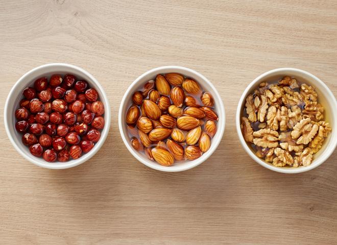 сколько вермени и почему замачивают орехи