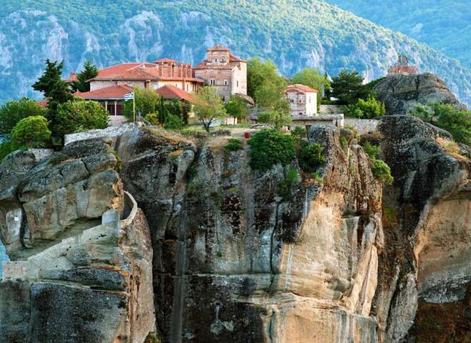 8 міст, побудованих на скелях