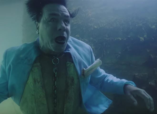 Тилль Линдеманн из группы Rammstein представил откровенный клип на песню Knebel
