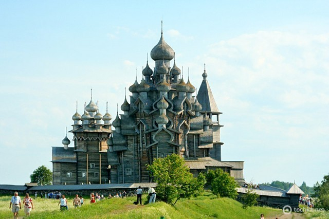 Преображенська церква на острові Кіжі (Росія)