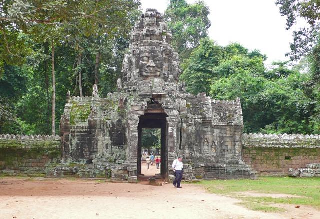 Ангкор за один день: храм Бантеай Кдей