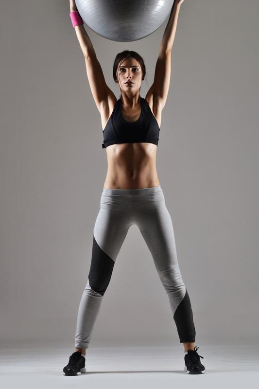 10 упражнений для стройных ног и упругой попы