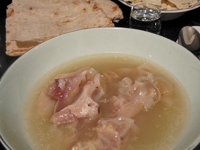 Як лікують похмілля у Вірменії, суп хаш