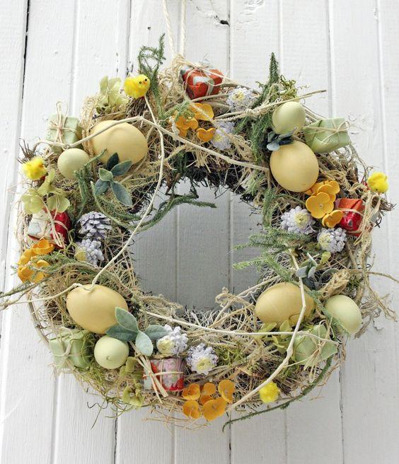 Пасхальный венок с декоративными яйцами своими руками