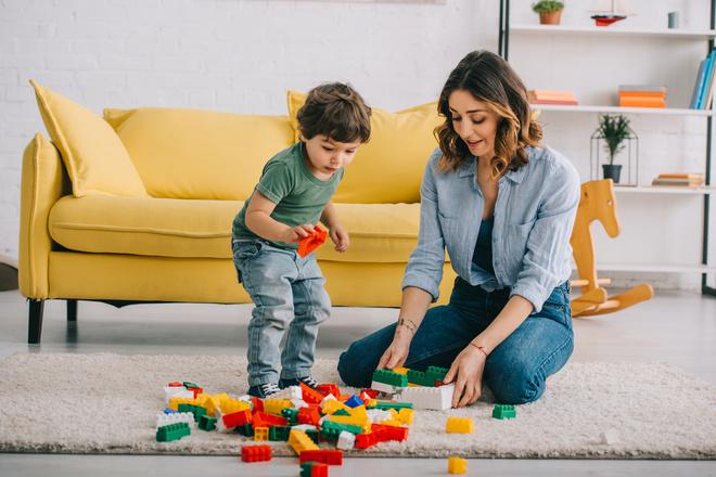 Почему дети, с которыми играют родители — счастливее и успешнее. Исследование компании LEGO®